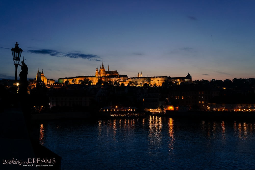 3 Days in Prague - Prague Castle by night